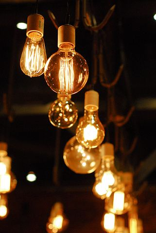 lightbulb-1285110__480.jpg