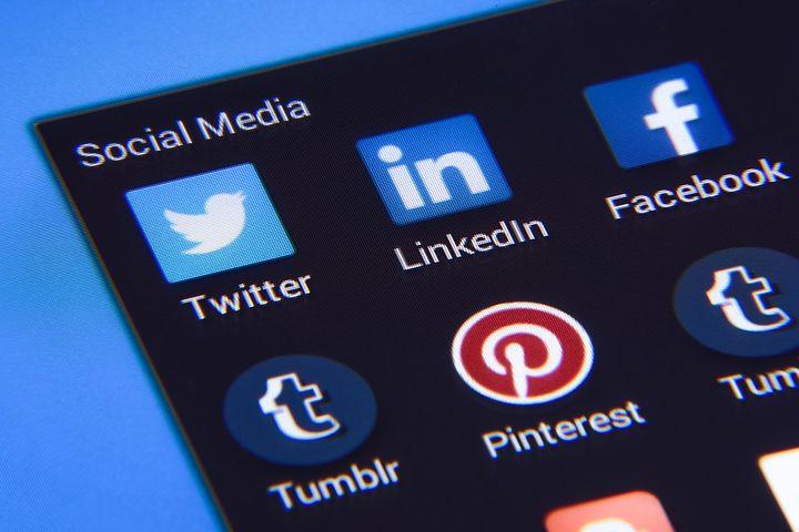 social-media-1795578__480.jpg