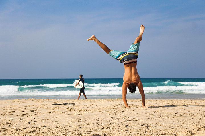 handstand-2224104__480.jpg